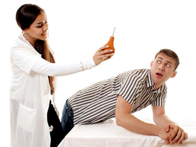 Глина для лечения геморроя: примочка и клизма