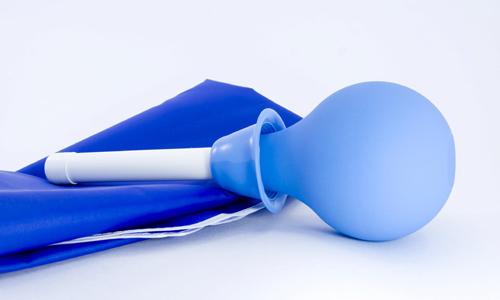 Перекись водорода для лечения геморроя: примочка, употребление внутрь, клизма, Неумывакин