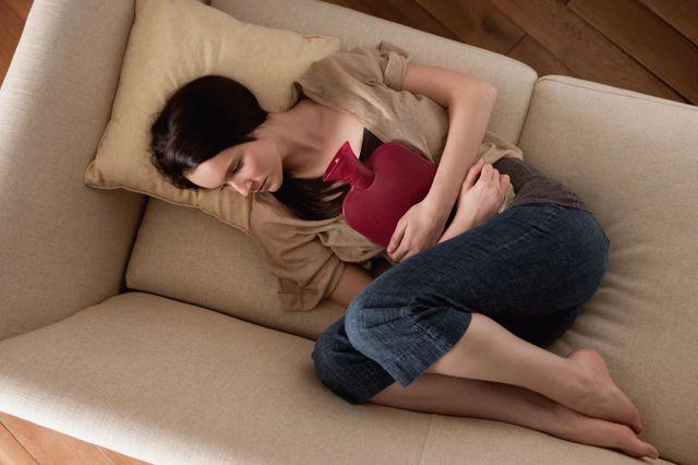 Может ли болеть внизу живота при геморрое: причины болей, симптомы и лечение