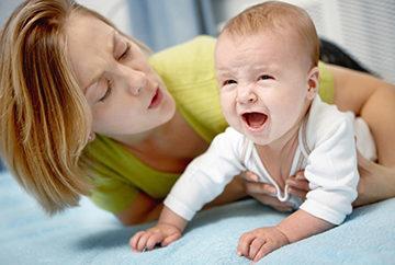Что делать при вздутии живота у новорожденных?