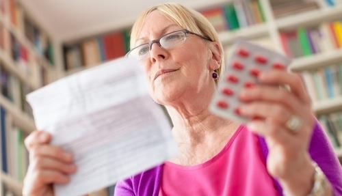 Лечение геморроя в домашних условиях: обзор аптечных препаратов и народных средств