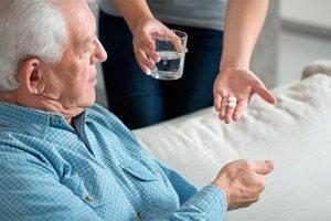 Можно ли избежать запоров в пожилом возрасте?