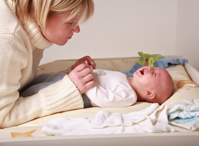 Что делать при запоре у новорожденного на грудном и искусственном вскармливании