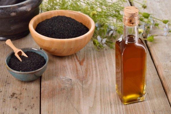 Масло черного тмина для лечения геморроя: ванночка, мазь, употребление внутрь