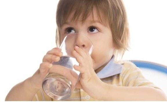 Помогает ли жидкость в борьбе с запорами?