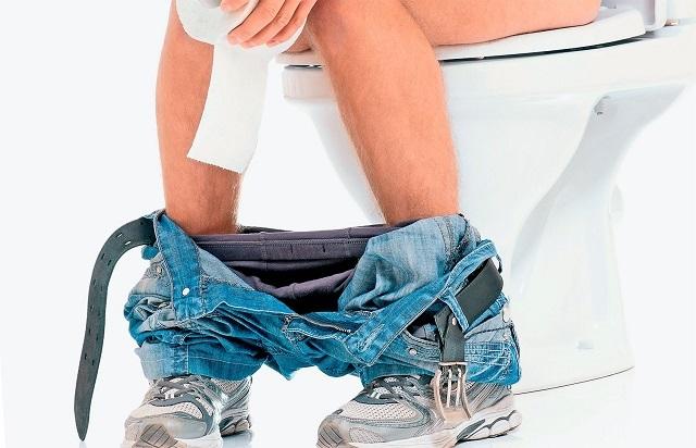Почему чешется геморрой: симптомы и лечение анального зуда
