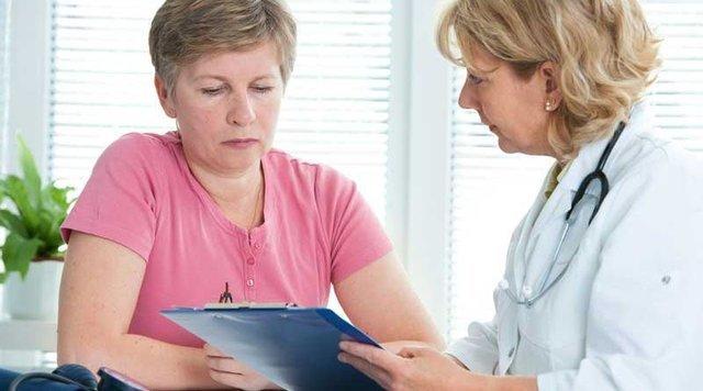 В каких случаях дают больничный при геморрое и на сколько дней?
