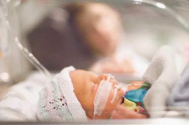 Врожденная пневмония: причины возникновения