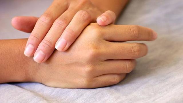 Как лечить экзему на руках в домашних условиях: эффективные средства и методы