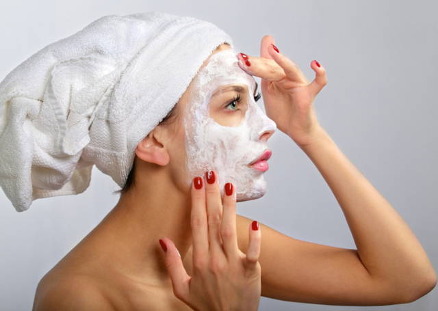 Персиковое масло для лица от морщин, в том числе для век и зоны вокруг глаз