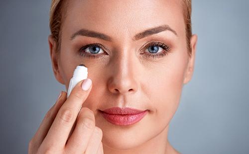 Как убрать морщины под глазами в домашних условиях: эффективные средства и способы