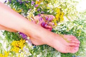 Как вылечить грибок между пальцами ног в домашних условиях: самые быстрые способы избавиться от микоза