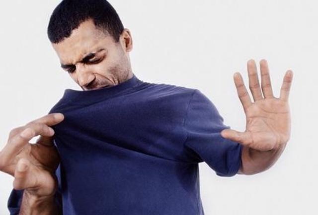 Как избавиться от потливости подмышек: лечение гипергидроза в домашних условиях