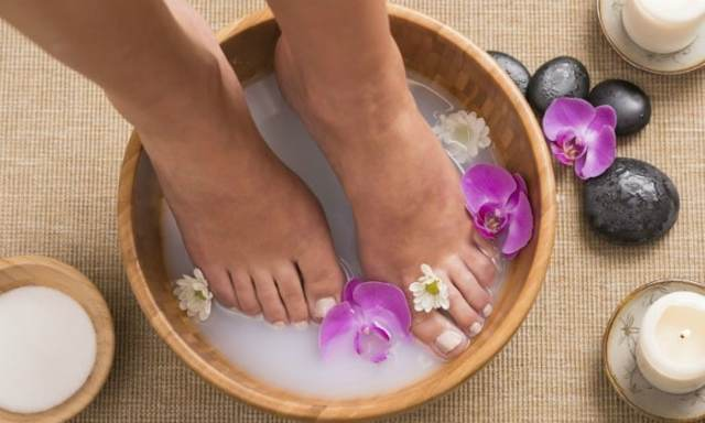 Ванночки для ног от грибка в домашних условиях: содовые и другие эффективные процедуры