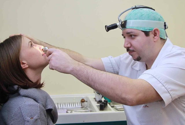 Грибок в носу и носоглотке: фото, симптомы, лечение традиционными и народными средствами