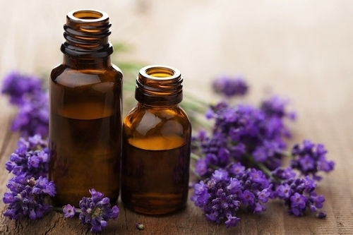 Эфирные масла для лица от морщин и для кожи вокруг глаз: рецепты эффективных смесей