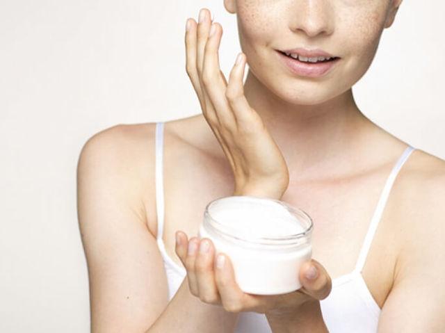 Коррекция носогубных складок: липофилинг, биоревитализация, пластика, мезотерапия