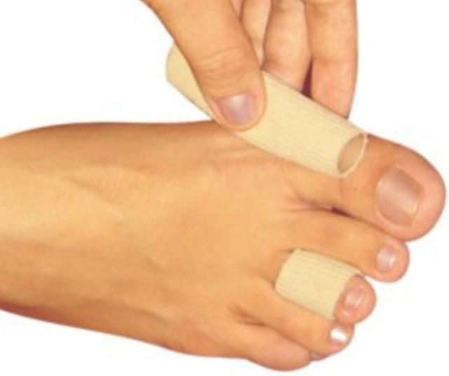 Мозоль между пальцами ног: как избавиться с помощью пластыря, аптечных и народных средств