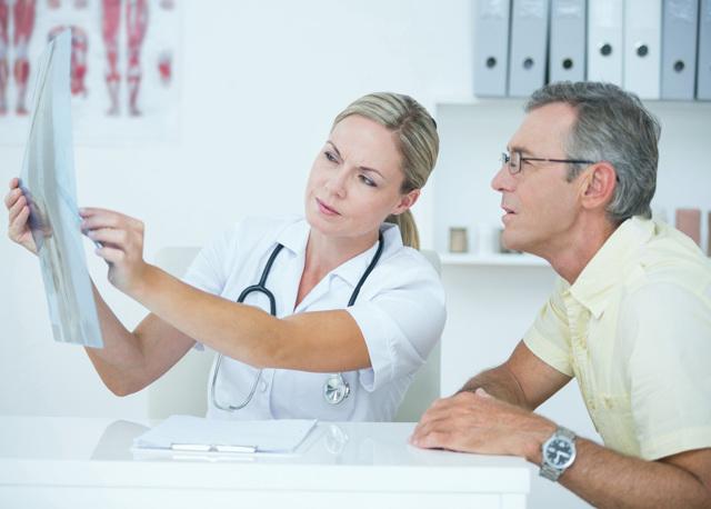Потливость головы у женщин и мужчин: причины, симптомы и лечение гипергидроза