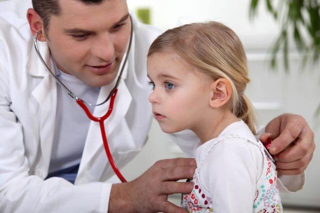 Как протекает аллергический бронхит у детей