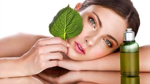 Почему появляются морщины на лице в молодом и старшем возрасте: причины и профилактика