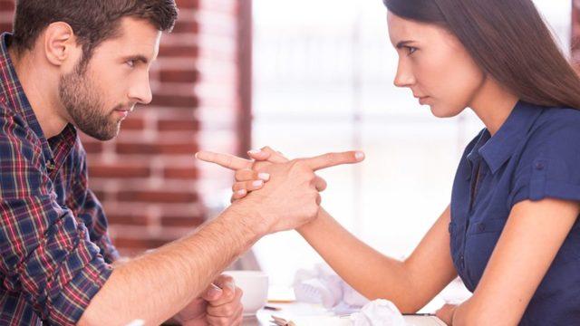 Как передается гепатит С: что это такое и сколько с ним живут, пути заражения от человека, вероятность инфицирования половым путем, от мужа к жене, через поцелуй, постель