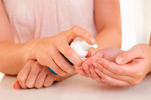 Гипергидроз ладоней: причины, как избавиться от потливости рук аптечными и народными средствами
